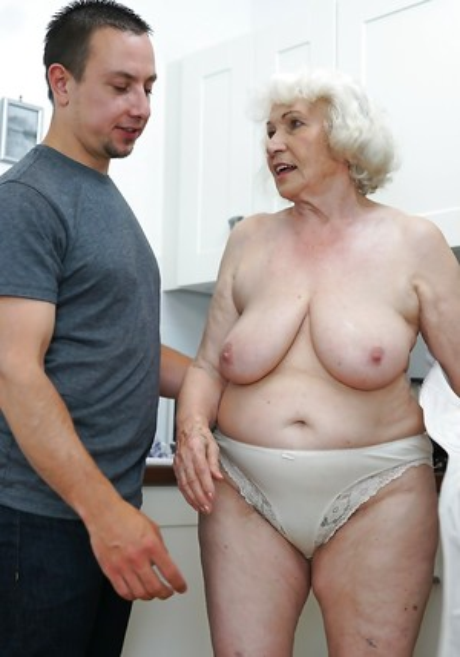 Granny Boobs Porn Pics