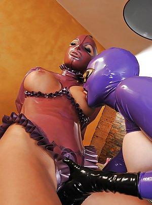 Boobs in Latex Porn Pics