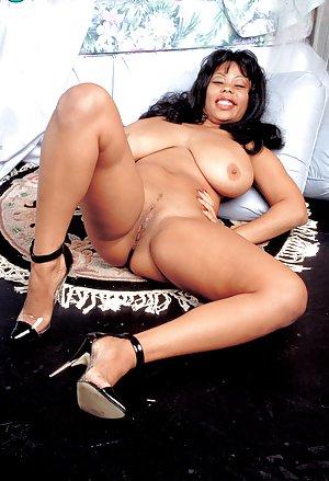 Latina Boobs Porn Pics