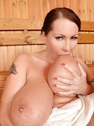 Boobs in Bath Porn Pics