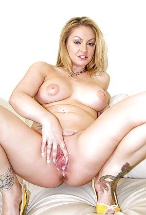 Wet Pussy Porn Pics