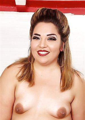 Small Boobs Porn Pics
