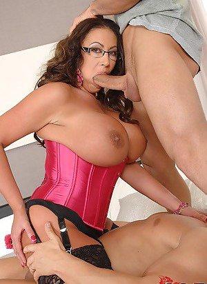 Cougar Boobs Porn Pics