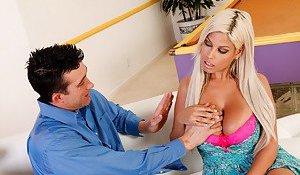 Big Boobs Seduction Porn Pics