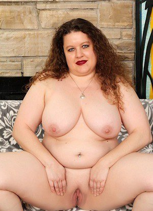 Fat Pussy and Boobs Porn Pics