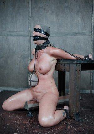 Blindfold Porn Pics
