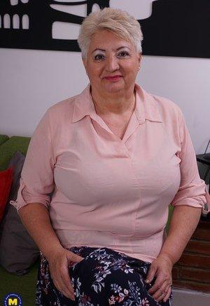 Grandma Boobs Porn Pics