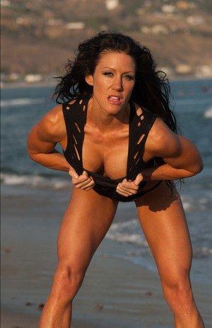 Muscle Girl Boobs Porn Pics