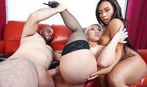 Boobs Threesome Porn Pics
